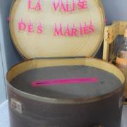 img Malle à chapeau urne