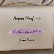 Savon parfumé au beurre de karité Lily rose